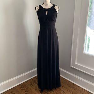 Sangria Black Pleated Keyhole Maxi Dress